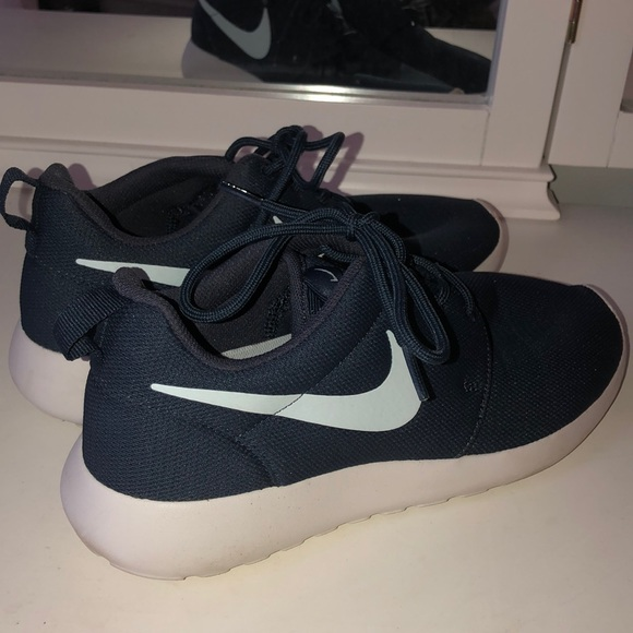 Nike Shoes   Navy Blue Nike Roshes